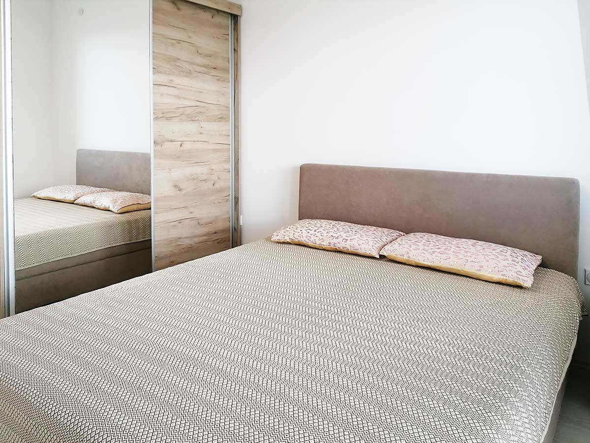 Apartman AD - Spavaća soba: Francuski ležaj