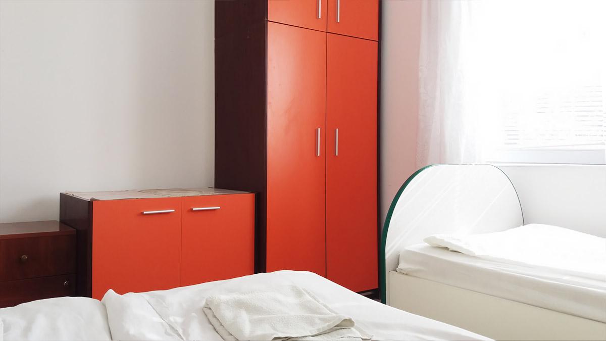 Apartman Aronija - Spavaća soba - Ormani