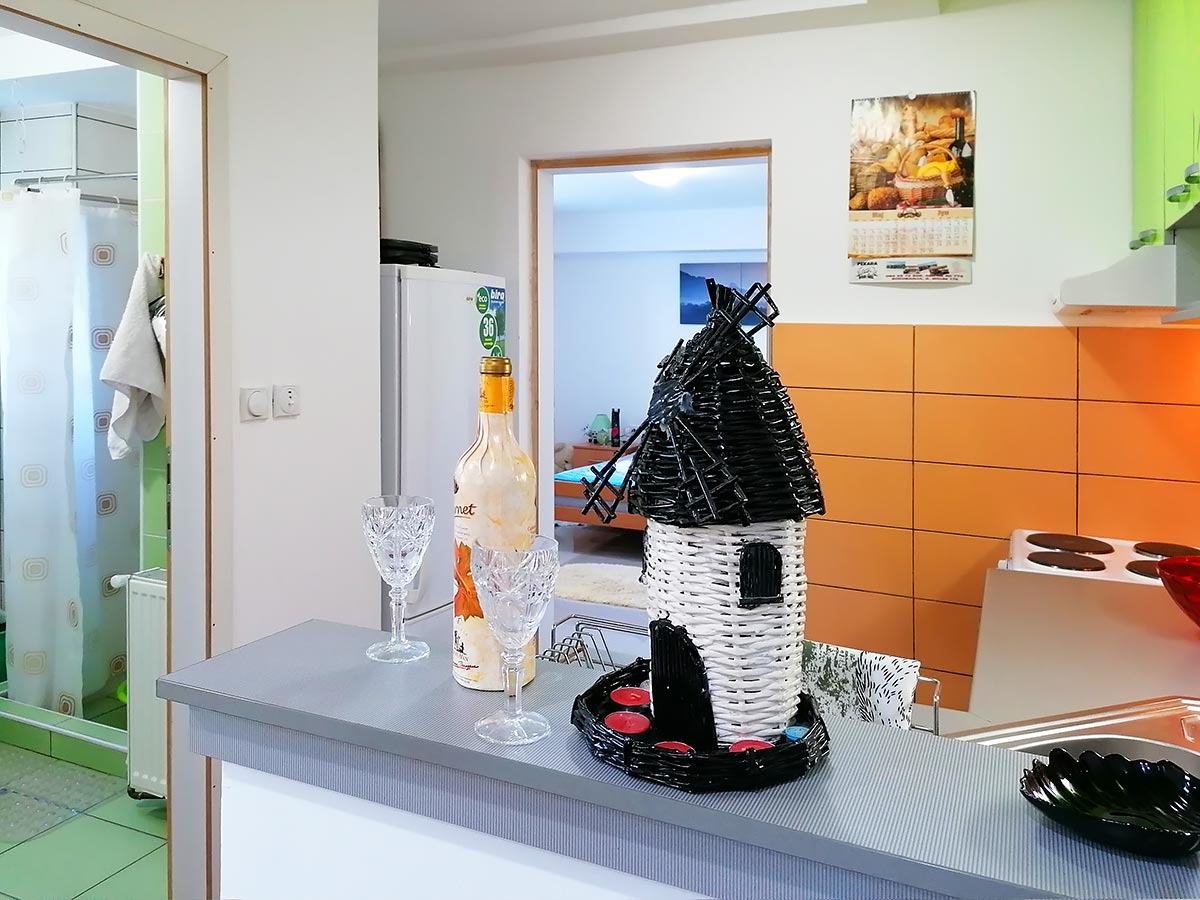 Apartmani Ena - Kuhinjski deo