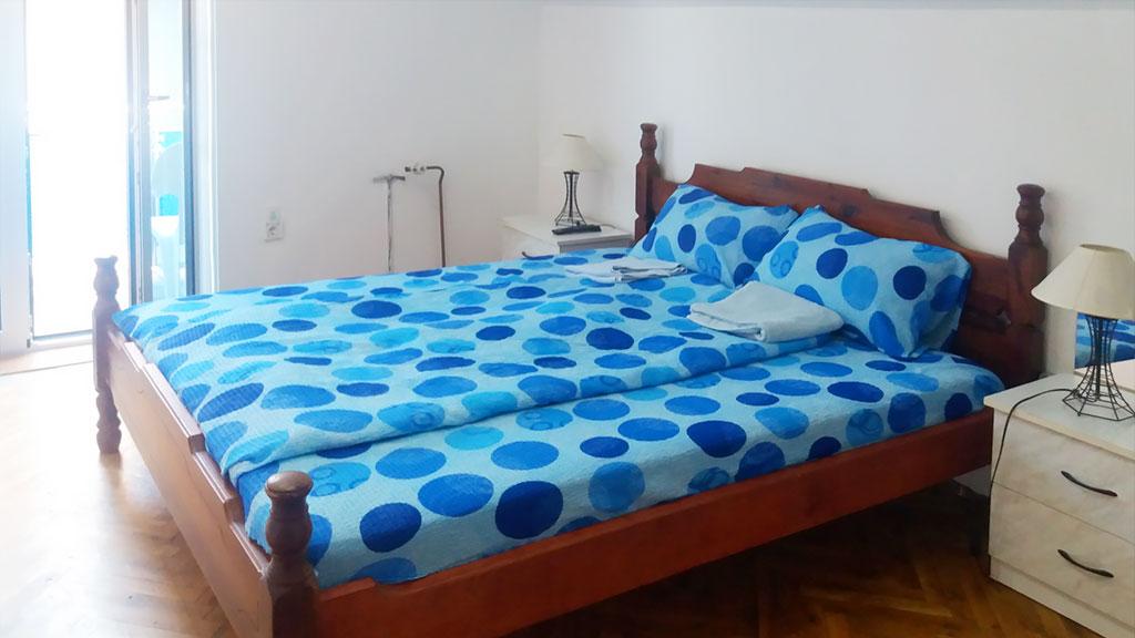 Apartman Hram - Spavaća soba 1 - francuski ležaj