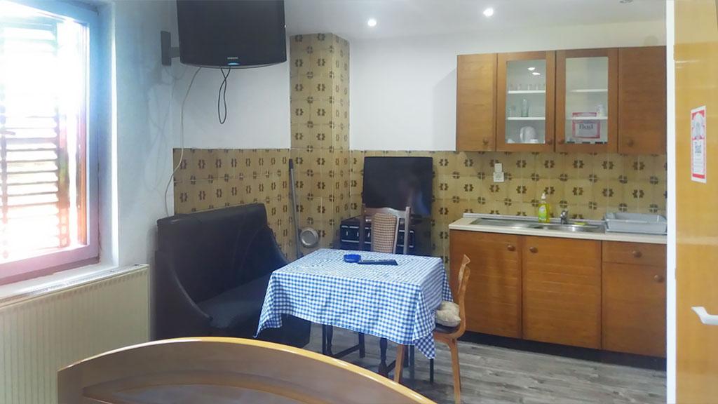 Apartman Hram - Tpezarija, TV