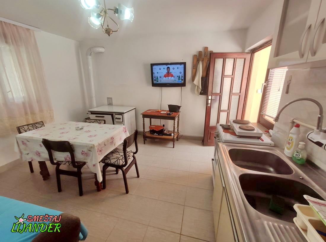 Apartman Lijander - Letnja kuhinja