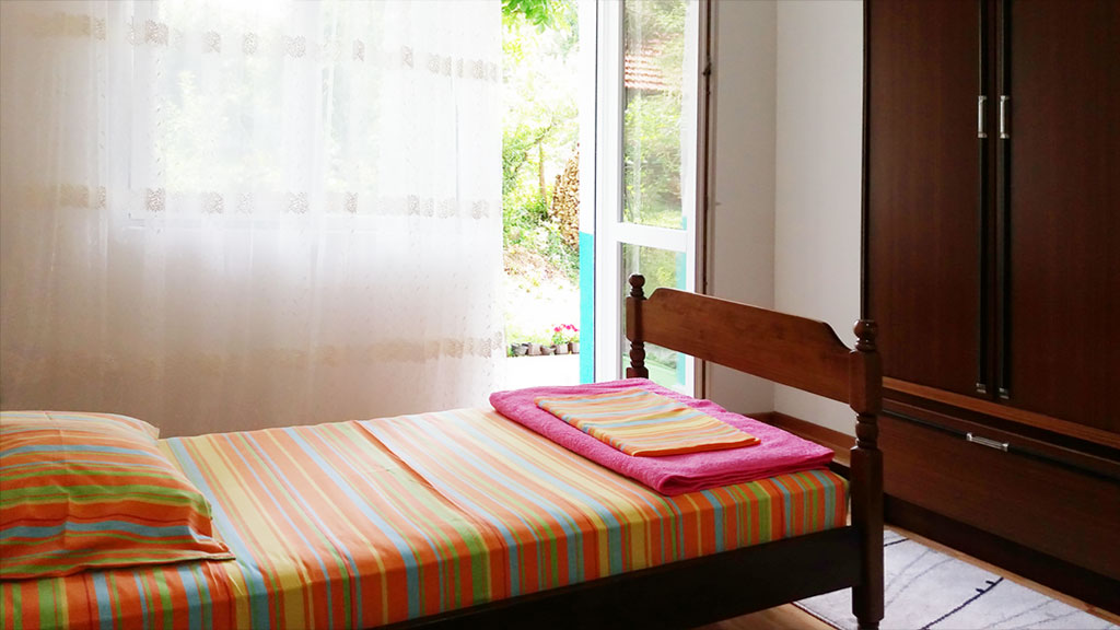 Apartman Fani - Spavaća soba 2 - Izlaz na terasu