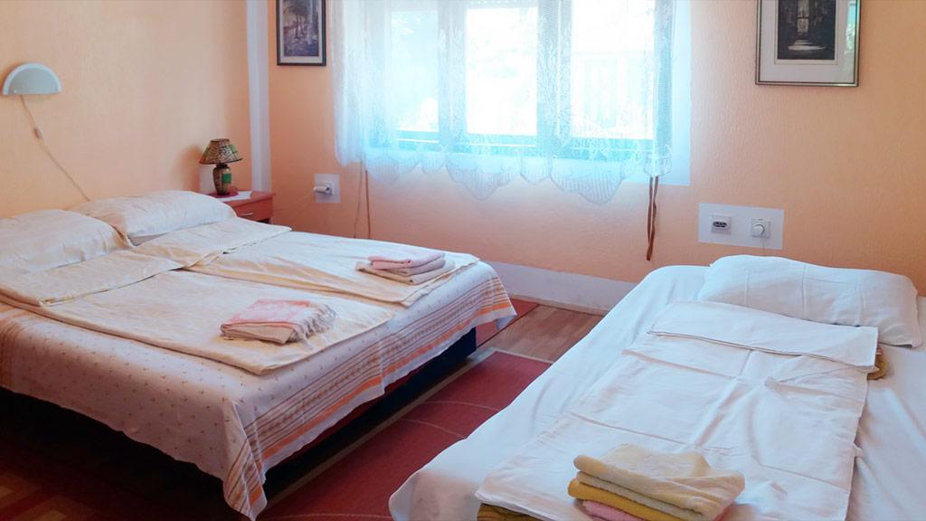 Apartman Topola - Spavaća soba 2 - Kreveti