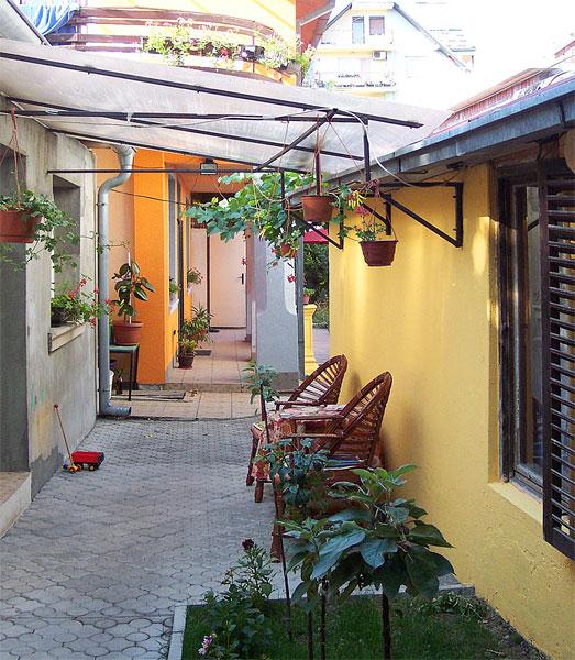 Apartmani Janković - Letnja kuhinja u dvorištu