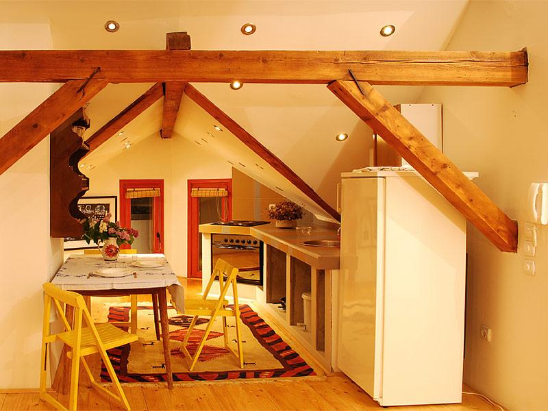 Apartman Super Star - trpezarija sa kuhinjom