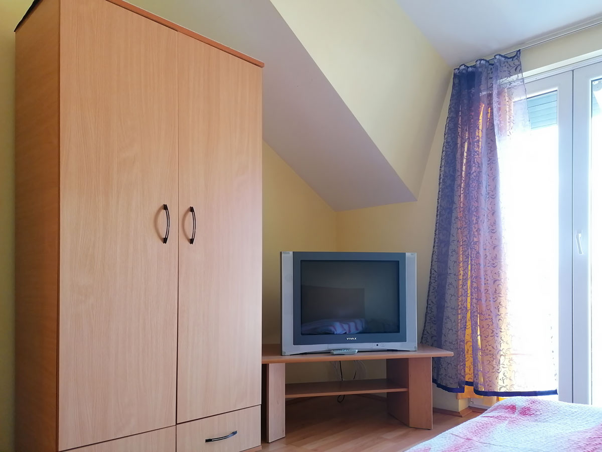 Apartman Mira 1 - orman, TV