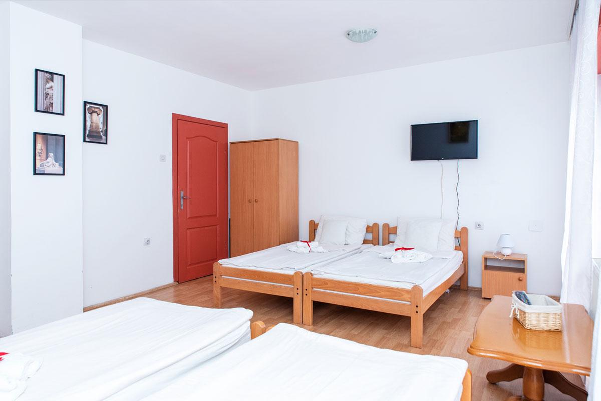 Apartman A4 - Spavaća soba - TV
