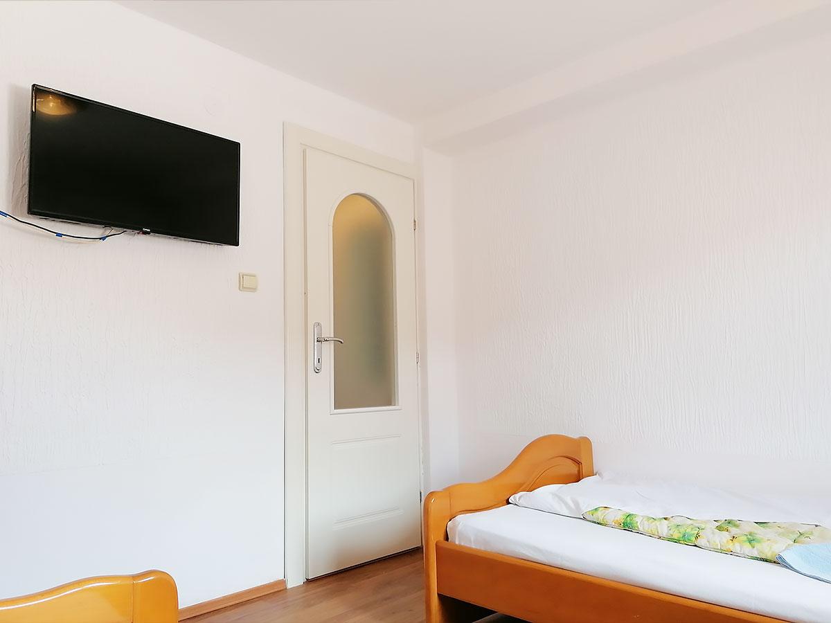Apartman Hram 2 A 10 - TV