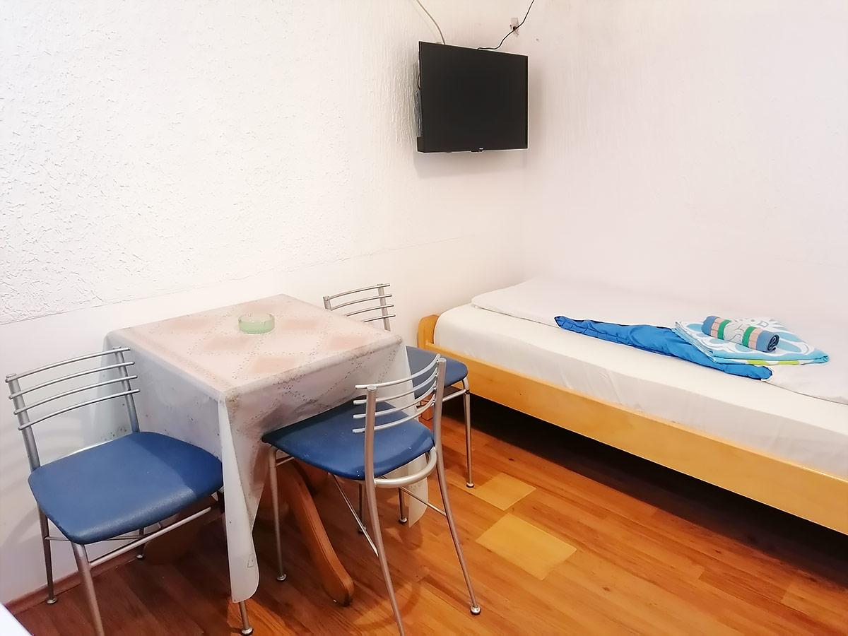 Apartman Hram 2 A 10 - Druga soba i krevet