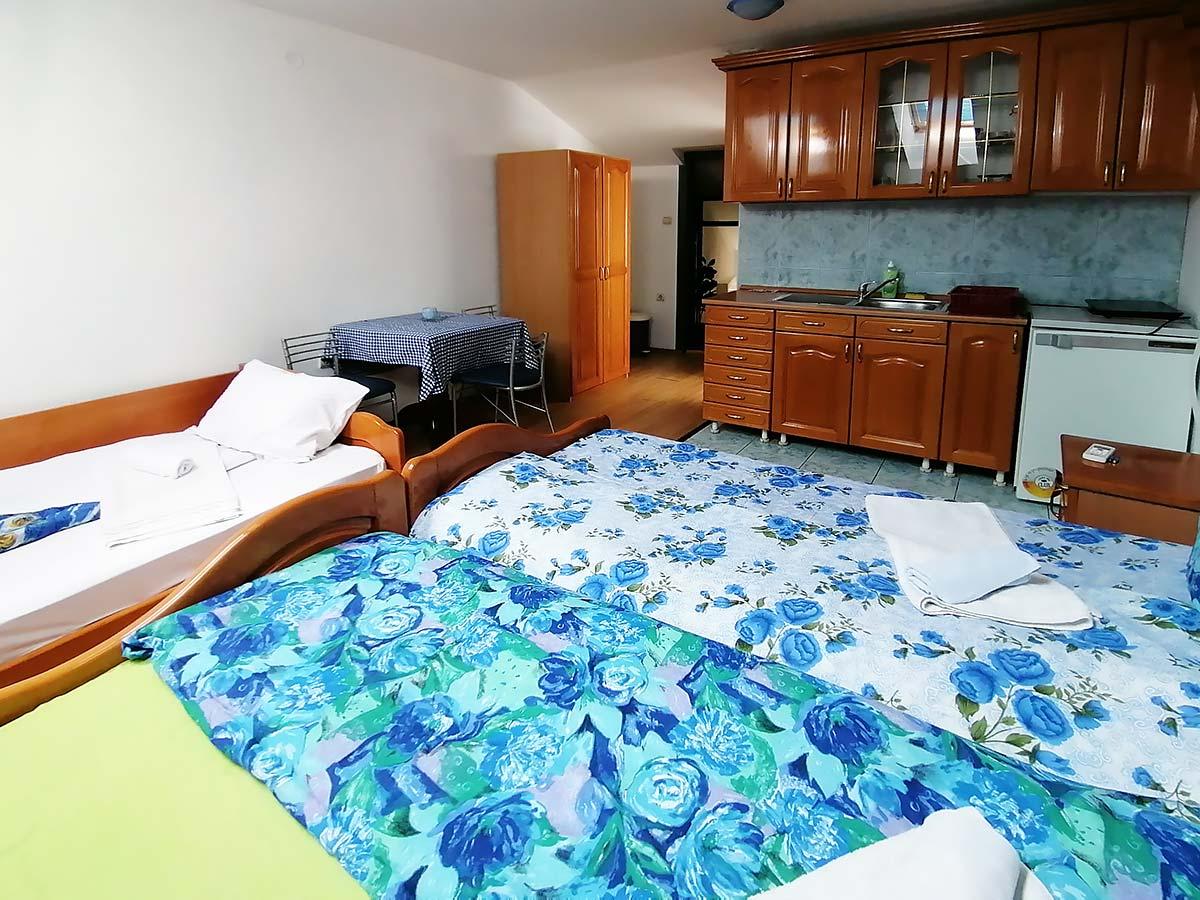 Apartman Hram 2 A 11 - Poseban krevet