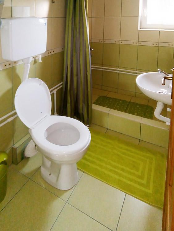Apatman na spratu - Kupatilo