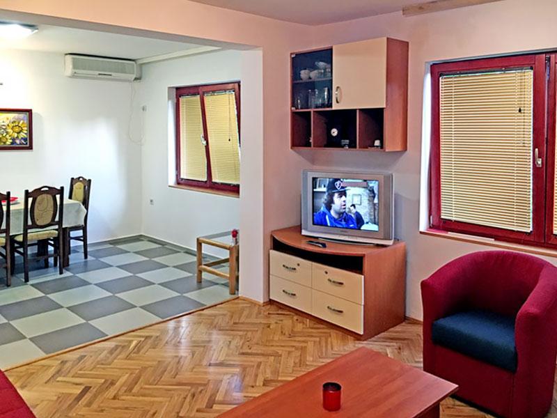 Apartman MIMILUX - Spavaća soba 1 - TV