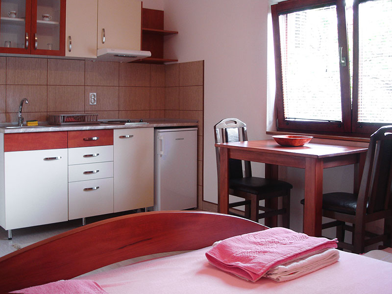 Apartman Iris - kuhinja i trpezarija