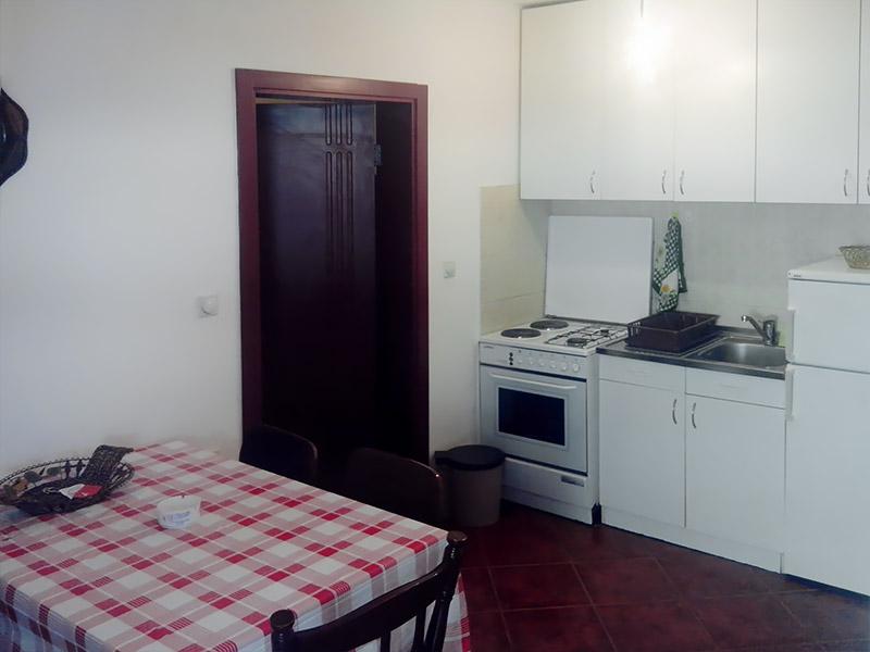 Apartman Kan - Trpezarija sa kuhinjom
