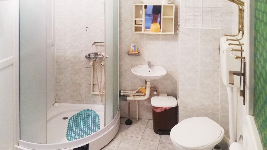 Soba 3 - Zajedničko kupatilo