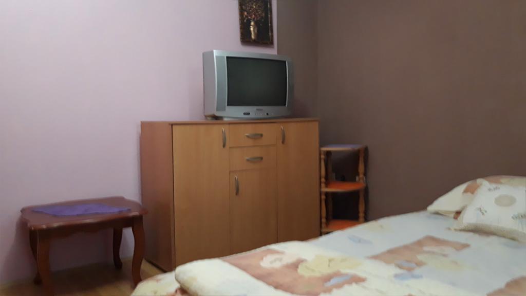 Sobe Lana - Dvokrevetna soba 1 - TV