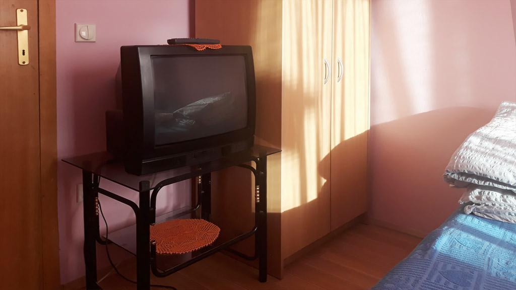 Sobe Lana - Dvokrevetna soba 2 - TV