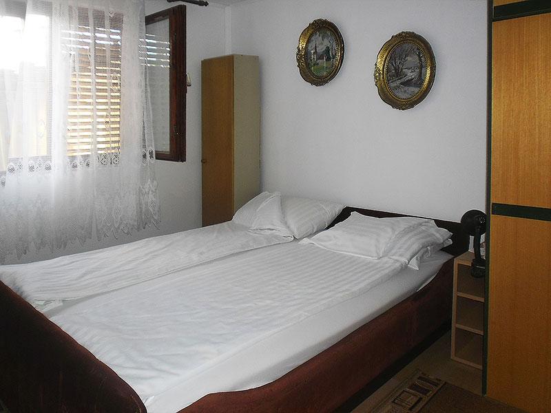 Sobe Jelena i Milica - Prva dvokrevetna soba