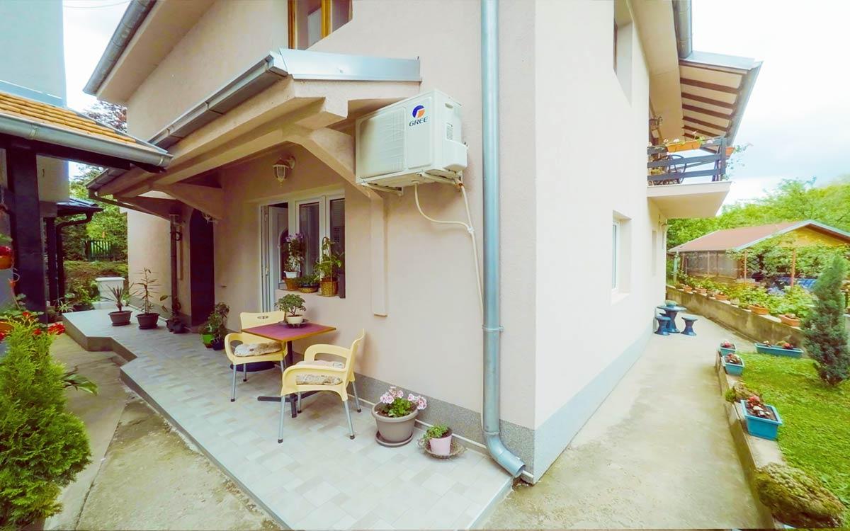 Studio Tatarac u prizemlju kuće