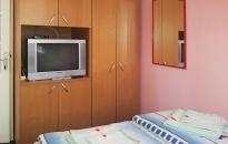 Apartman Cvetni vrt Sandra - Spavaća soba 1 - TV