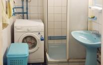 Apartman Margo - Kupatilo: tuš kabina, veš mašina
