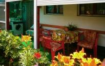 Sobe Jelena i Milica - Dvorište